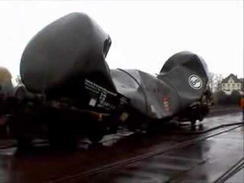 M1dRdjJnNVdrZE0x_o_railway-tank-car-implosion